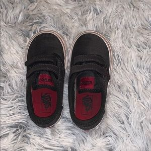 VANS  toddler size 6